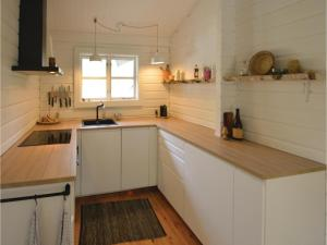 Four-Bedroom Holiday Home in Ebeltoft, Case vacanze  Ebeltoft - big - 17