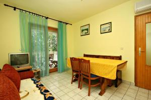 Apartment Povile 2398b
