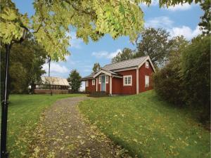 Three Bedroom Holiday Home in Mellerud