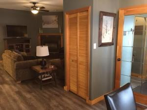 SilverView Suite - 1 Bed / 1 Bath Condo, Apartmány  Silver Star - big - 16