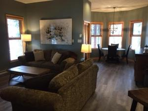 SilverView Suite - 1 Bed / 1 Bath Condo, Apartmány  Silver Star - big - 17