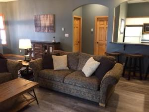 SilverView Suite - 1 Bed / 1 Bath Condo, Apartments  Silver Star - big - 18