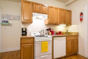 Family Apartment Close to Fenway Park With One Parking Spot - 8, Apartmány  Boston - big - 20