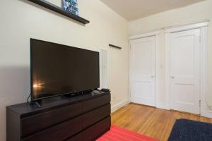 Family Apartment Close to Fenway Park With One Parking Spot - 8, Apartmány  Boston - big - 13