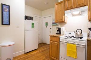 Family Apartment Close to Fenway Park With One Parking Spot - 8, Apartmány  Boston - big - 6