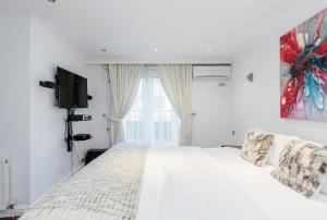 Brownhill Property, Apartmanok  London - big - 37