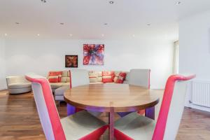 Brownhill Property, Apartmanok  London - big - 97