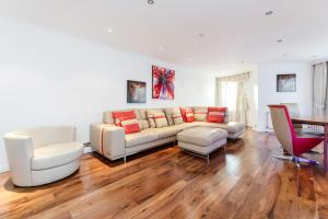 Brownhill Property, Apartmanok  London - big - 96