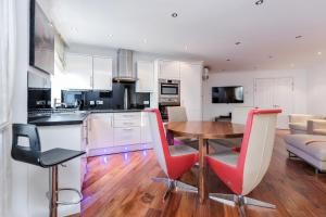 Brownhill Property, Apartmanok  London - big - 95