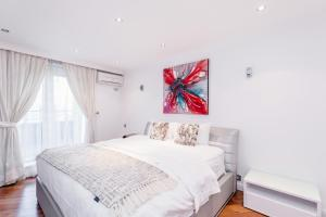 Brownhill Property, Apartmanok  London - big - 36