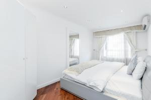 Brownhill Property, Apartmanok  London - big - 32