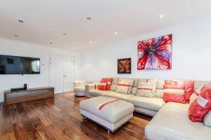 Brownhill Property, Apartmanok  London - big - 30