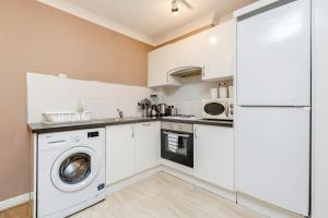 Brownhill Property, Apartmanok  London - big - 121