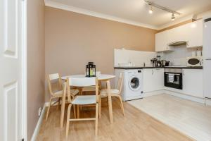 Brownhill Property, Apartmanok  London - big - 120