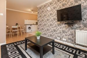 Brownhill Property, Apartmanok  London - big - 119
