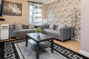Brownhill Property, Apartmanok  London - big - 115
