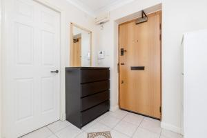 Brownhill Property, Apartmanok  London - big - 109