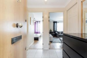 Brownhill Property, Apartmanok  London - big - 108