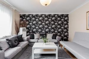 Brownhill Property, Apartmanok  London - big - 107