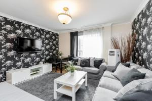 Brownhill Property, Apartmanok  London - big - 105