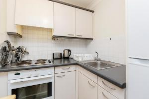 Brownhill Property, Apartmanok  London - big - 104