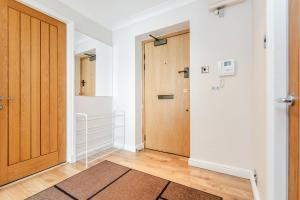 Brownhill Property, Apartmanok  London - big - 90