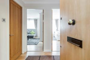 Brownhill Property, Apartmanok  London - big - 89
