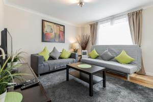 Brownhill Property, Apartmanok  London - big - 87