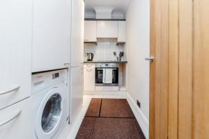 Brownhill Property, Apartmanok  London - big - 82
