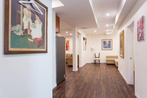 obrázek - Newly remodeled 4 bedroom 3 bath modern Home.