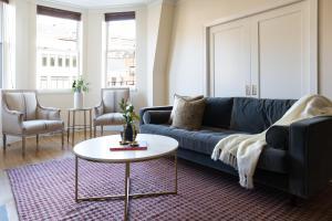 Three-Bedroom on Newbury Street Apt 31, Apartmány  Boston - big - 1