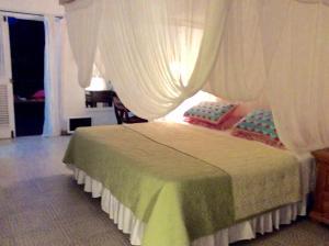 Northlight Villa & Studio, Дома для отпуска  Сент-Джеймс - big - 11
