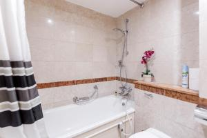 Brownhill Property, Apartmanok  London - big - 79