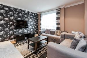 Brownhill Property, Apartments  London - big - 69