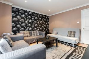 Brownhill Property, Apartmanok  London - big - 68