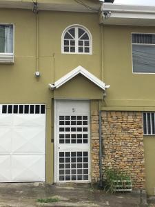 Calle Mora Guesthouse, San José
