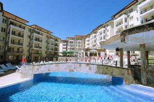 Sunny Beach Hills Apartment