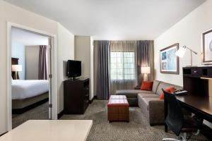 Staybridge Suites Chantilly Dulles Airport, Hotels  Chantilly - big - 18