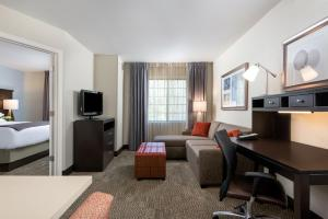 Staybridge Suites Chantilly Dulles Airport, Hotely  Chantilly - big - 17