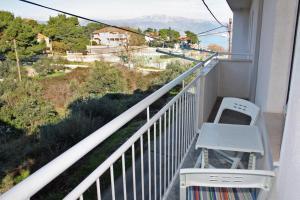 Apartment Slatine 5999a, Apartmanok  Slatine - big - 4