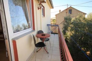 Apartment Ugljan 8423a
