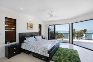 Whitsunday Ocean Melody Deluxe Villa, Homestays  Airlie Beach - big - 5