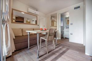 Campsite Porton Biondi Mobile Homes Mediteran, Ferienparks  Rovinj - big - 84