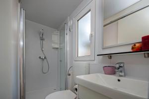 Campsite Porton Biondi Mobile Homes Mediteran, Ferienparks  Rovinj - big - 76
