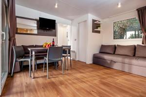Campsite Porton Biondi Mobile Homes Mediteran, Ferienparks  Rovinj - big - 99
