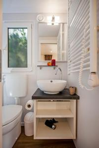 Campsite Porton Biondi Mobile Homes Mediteran, Ferienparks  Rovinj - big - 61