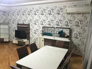 All Season Apartment, Ferienwohnungen  Baku - big - 4