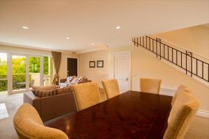 Super Central Lakeside Villa, Дома для отпуска  Куинстаун - big - 9