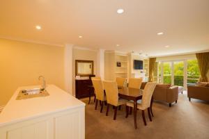 Super Central Lakeside Villa, Дома для отпуска  Куинстаун - big - 11