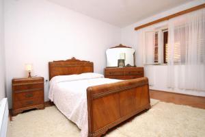 Apartment Smokvica 9161a